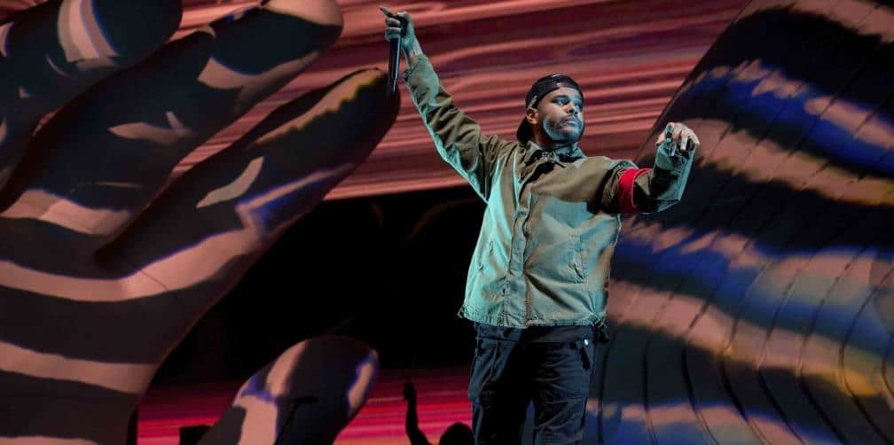The Weeknd rompe en llanto al cantar Call Out My Name